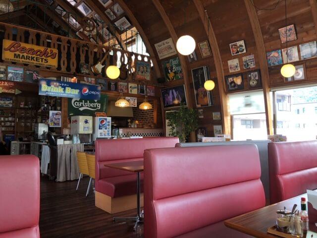 グーギーズカフェ 千曲店 店内