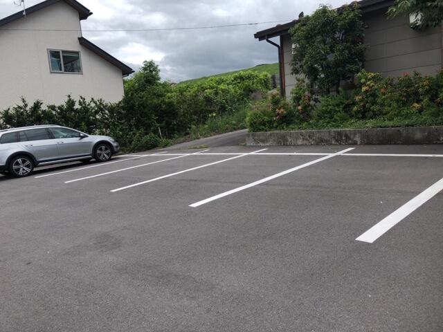 七輪亭駐車場