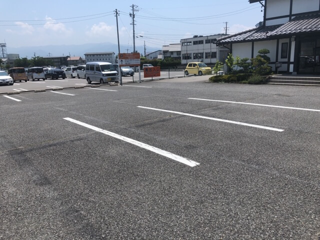 カブリ 駐車場