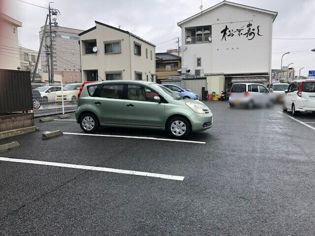 松栄寿司東口店 駐車場