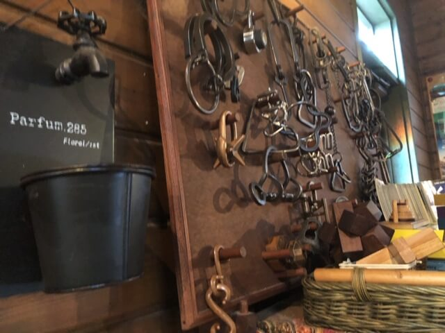 自転車屋 店内