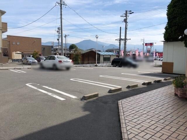 りんごの木青木島 駐車場