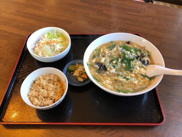Bランチ(韮入り酸辣湯麺)