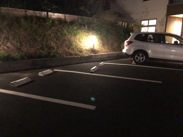 もくれん 駐車場