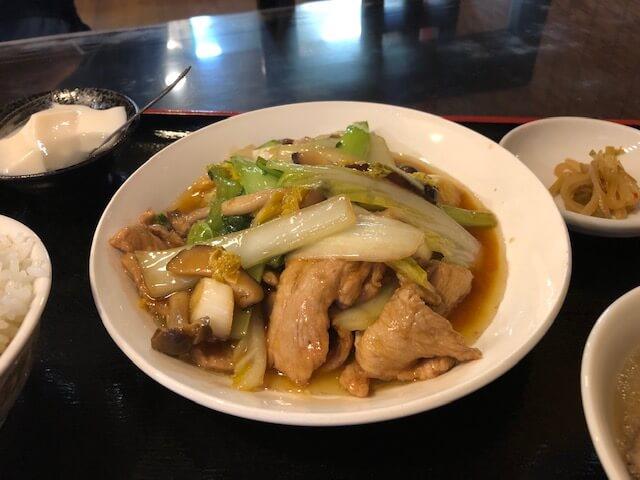 豚ヒレ肉と野菜の醤油味ソース炒めランチ