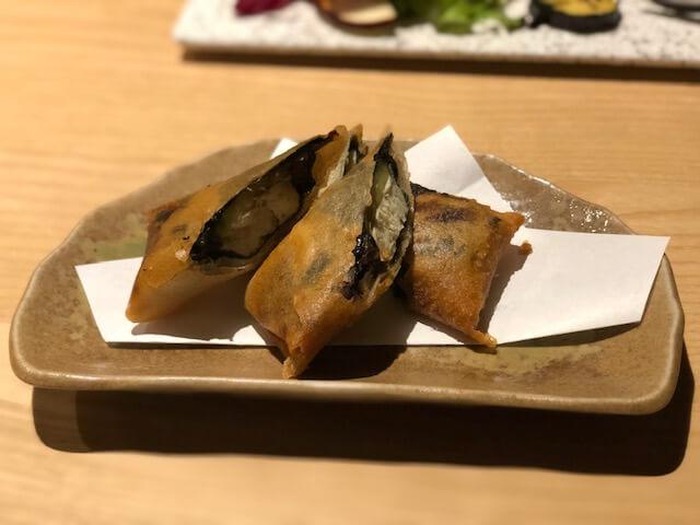 豆腐とアボカドと醤油豆の揚げ春巻き