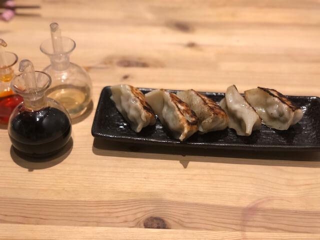 信州みゆき豚と自家製野沢菜のもちもち餃子