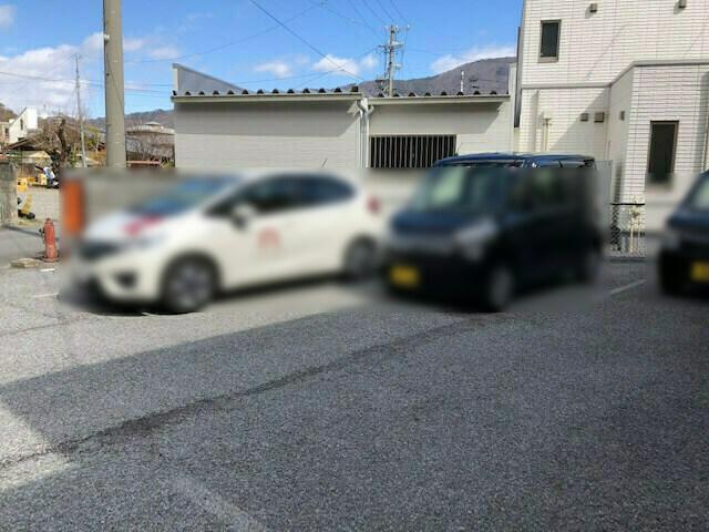 ココロ 駐車場