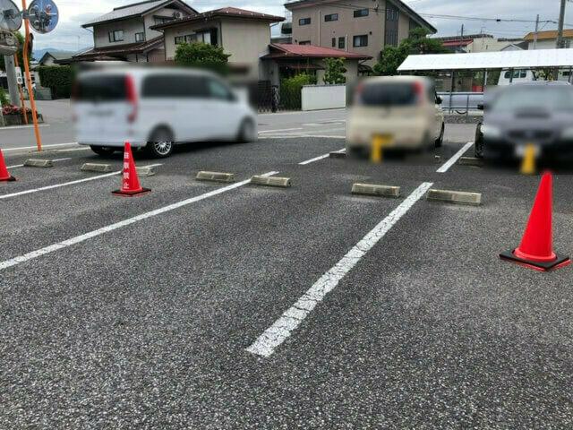 秋山食堂 駐車場