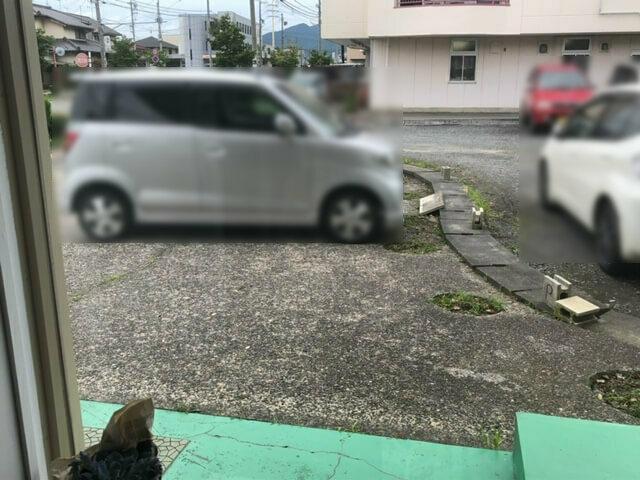 ユウナギごはんと文房具と 駐車場