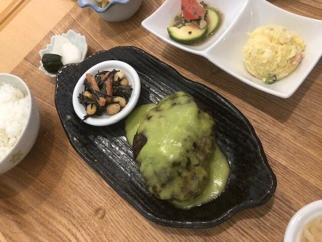 ハナアカリこだわりハンバーグ定食